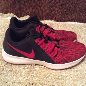 Nike Men's Varsity Compete Training Red Black Sz 8